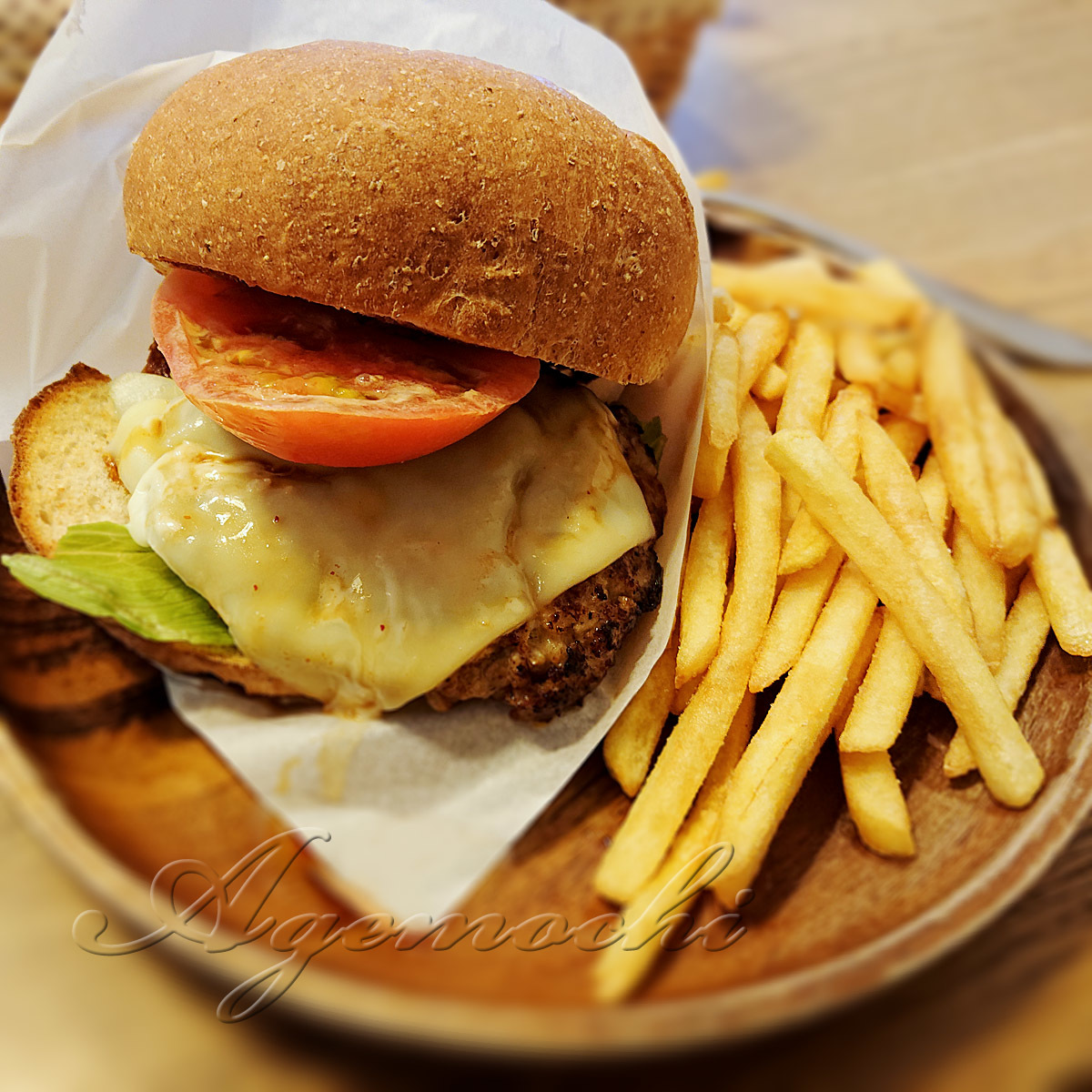 saboribar_cheeseburger0.jpg