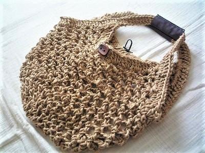 透かし編みバッグ