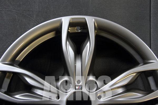 BMWの1シリーズの純正ホイールを修理