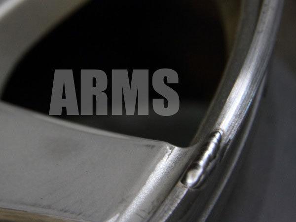 欠けたホイールのリムをアルミ溶接にて修復