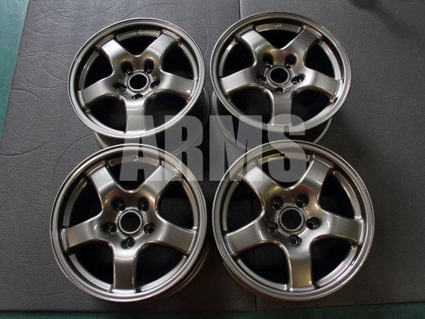 GTRの純正ホイール ガンメタ塗装