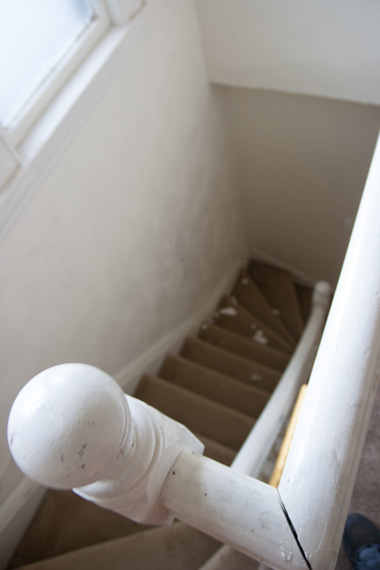 3階からみた階段