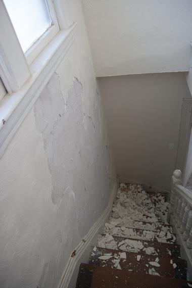 3階階段壁ひっぺがし2