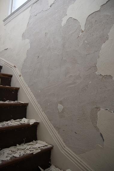 3階階段壁ひっぺがし1