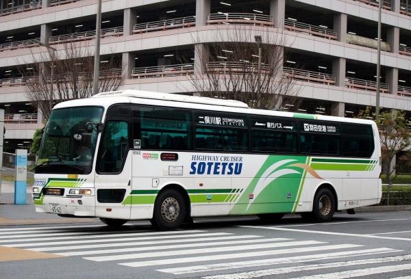 横浜230あ6562