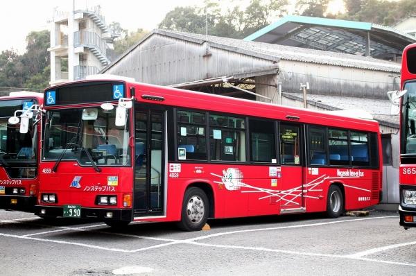 長崎200か・990 4B59