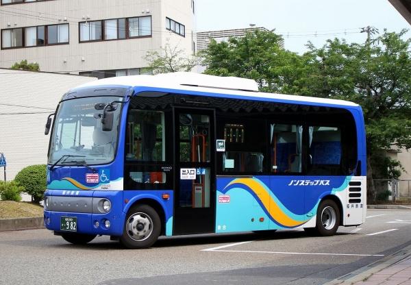 福井200か・982