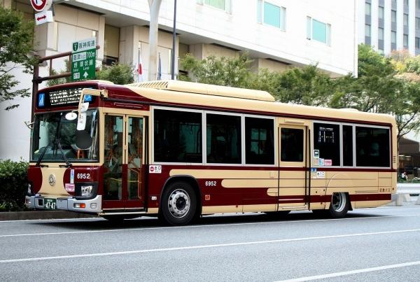 大阪200か4747 6952