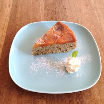 柿と紅茶のケーキ