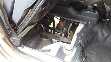 運転室の防音化 (1)