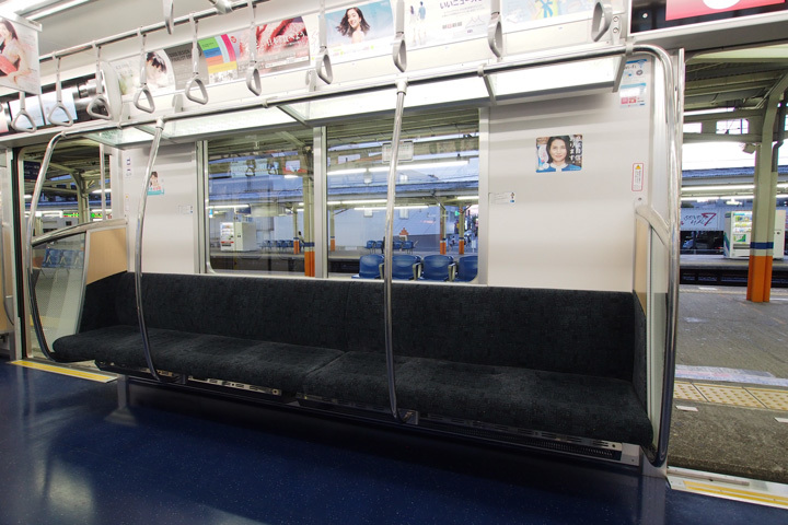 20190428_tokyo_metro_13000-in01.jpg