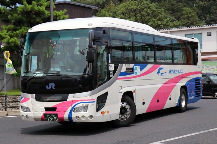 20190825_west_jr_bus-01.jpg