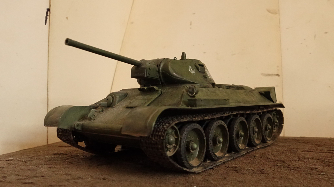 T-34/76戦車のプラモの写真