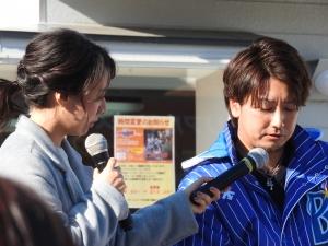 長澤アナの質問に答えつつ。