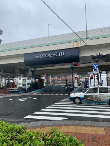 元町への入り口