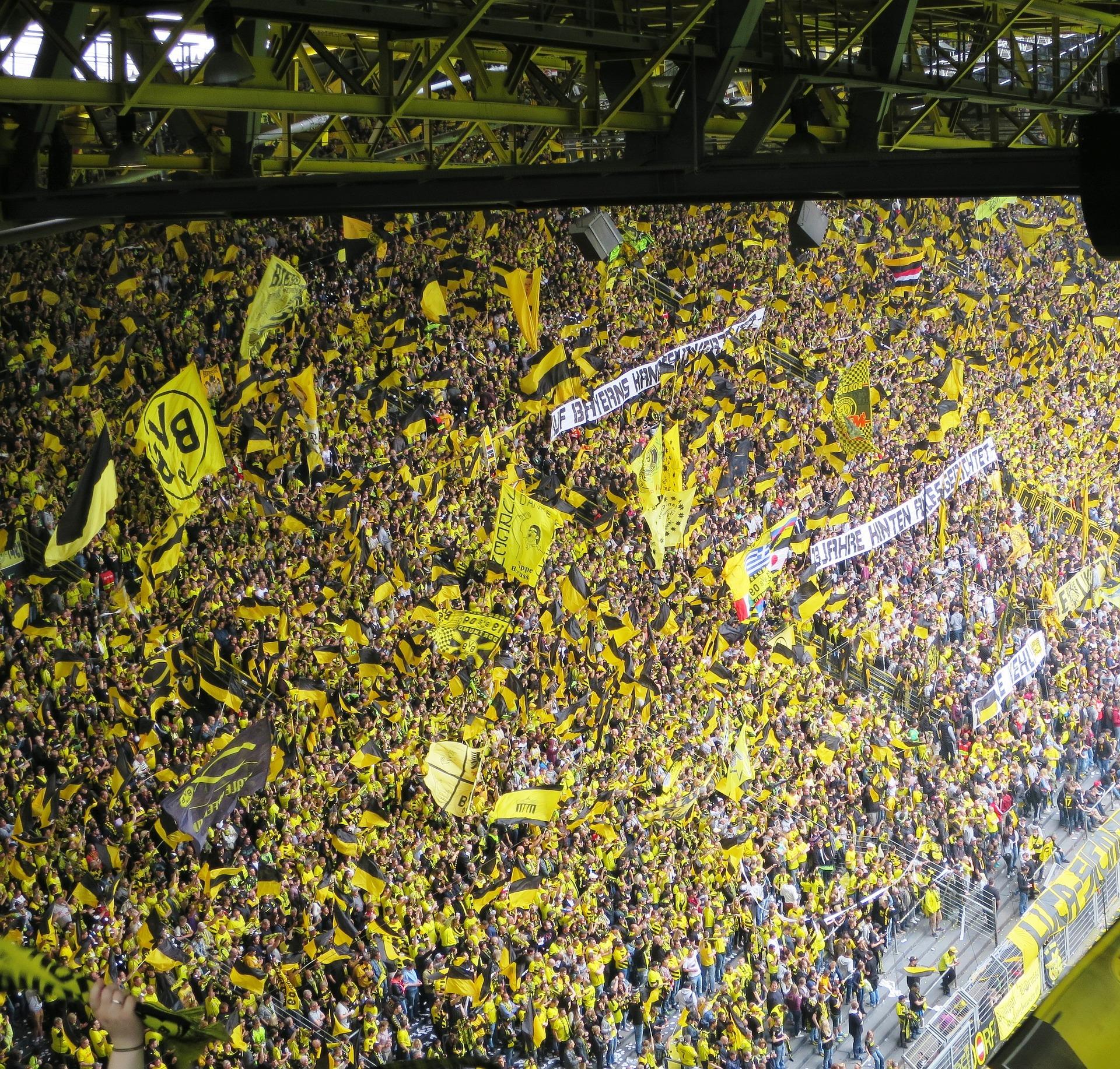 BVB-football-fans-20190401.jpg