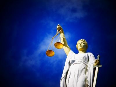 justice-2071539_1920.jpg