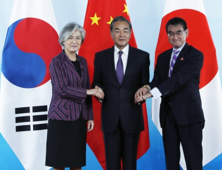結局何も解決しないまま時だけが過ぎていく ~ 【話題】韓国外相、日中韓会談後に日本を批判「日本の対韓輸出規制は一方的な貿易報復だ」