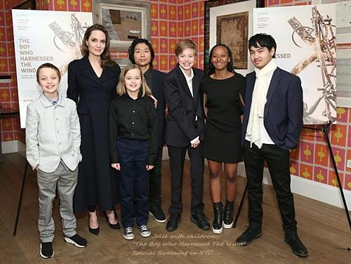 Jolie1with-kids-theboywhoharnessedthewind-screening.jpg