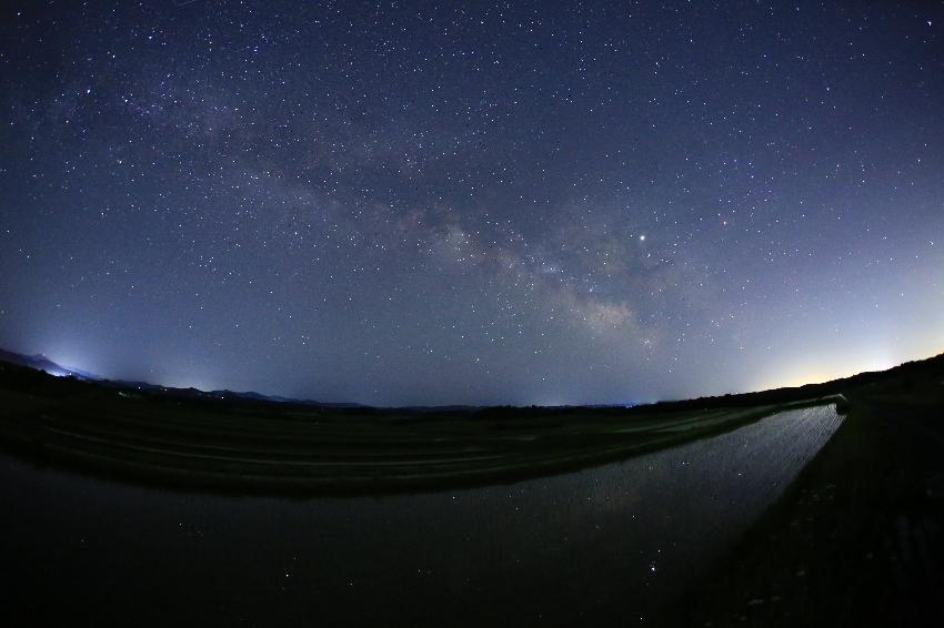 20190529天の川と大気光のある夜空