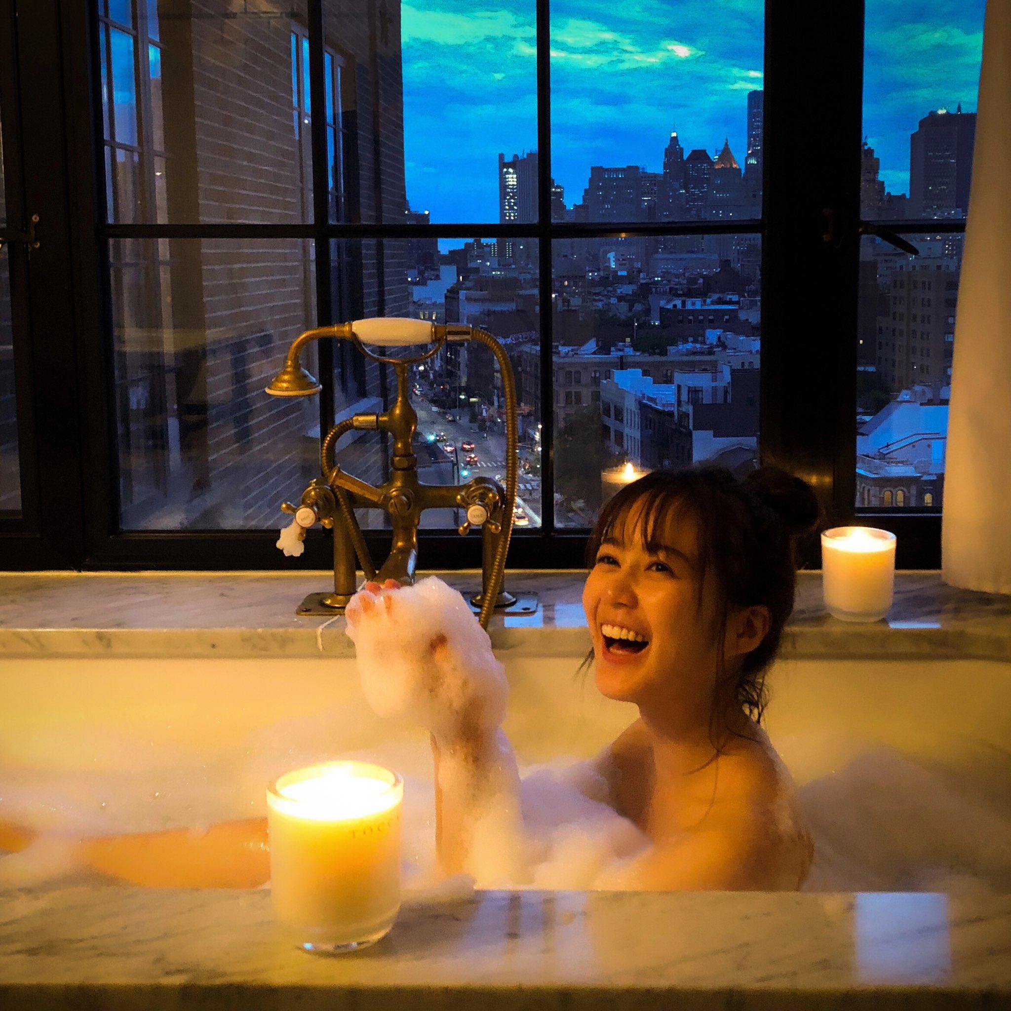 乃木坂46生田絵梨花2nd写真集「ニューヨークの夜景が見えるステキなバスルーム」オフショット