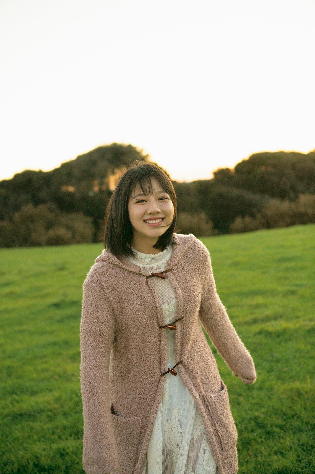 けやき坂46渡邉美穂ファースト写真集『陽だまり』