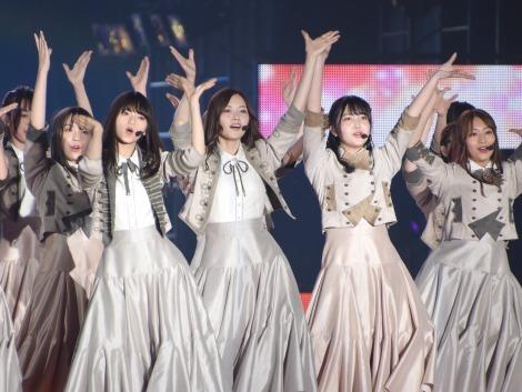 ガルアワ2019S/S 乃木坂46「Sing Out!」
