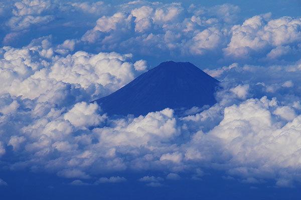 駿河湾上空から富士山