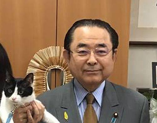 神奈川10区 衆議院議員 田中和徳先生と猫ジャンヌダルク 500