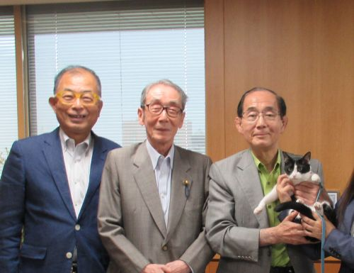 原田環境大臣 小川元先生 小野次郎先生 ロビイスト猫ジャンヌダルク 500
