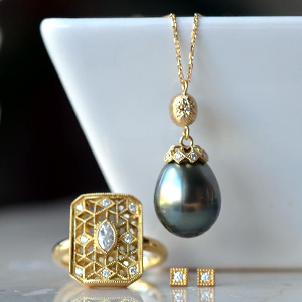 K18YG製南洋黒真珠ダイアモンドペンダントネックレスダイアモンドリング指輪ピアス