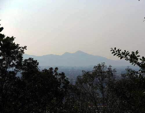 190305耳成山から二上山