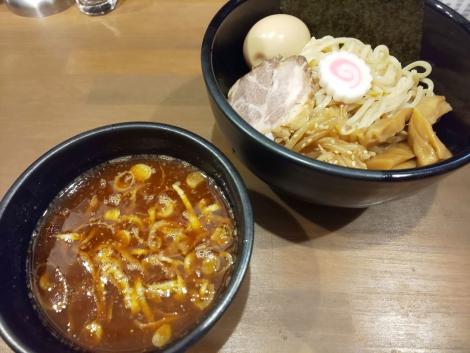 雷魚介辛つけ麺