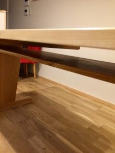 テーブル(天板下)