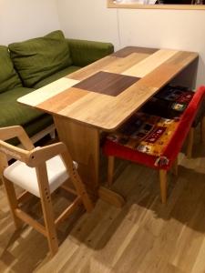 テーブル(斜め横上)