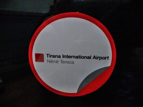 アルバニア・ティラナ空港のステッカー1