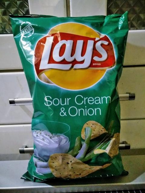 アメリカ製Lay'sのポテチ サワークリーム&オニオン味1