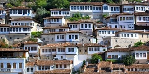 ベラト 千の窓の家、アルバニア