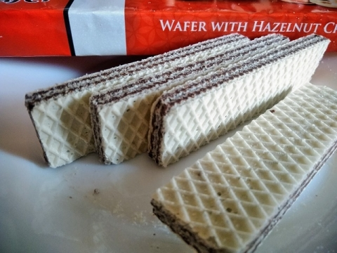 トルコ製チョコクリームとヘーゼルナッツクリームのウェハース3