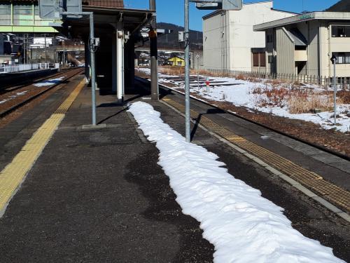 久々野駅ホーム