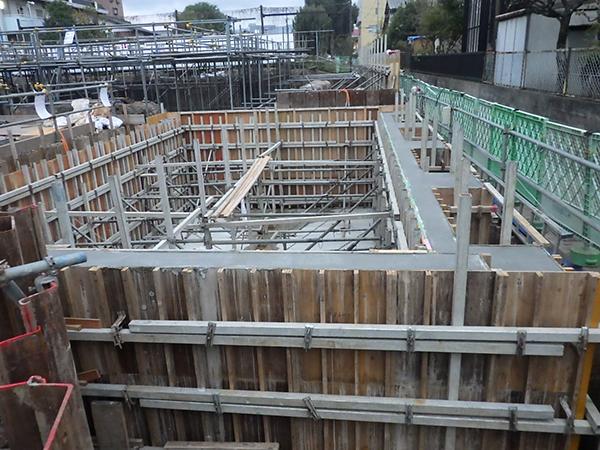 2018/10/31 立駐・L型擁壁コンクリート打設完了