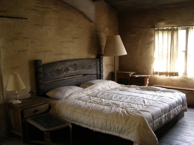 ベッドルーム0824