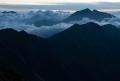 雲に浮かぶ後立山連峰