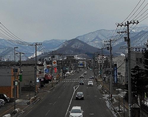 手稲東小学校前歩道橋から、五天山