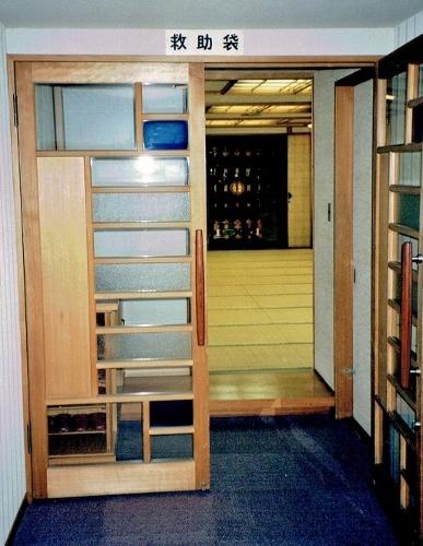 ホテルアカシア 和室扉 1996年撮影