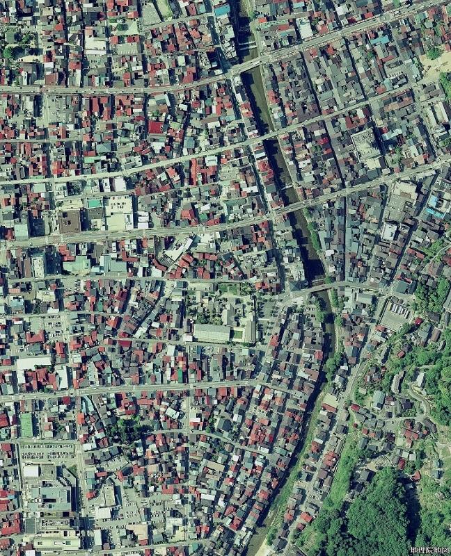 高山 空中写真2007年 くねくね道