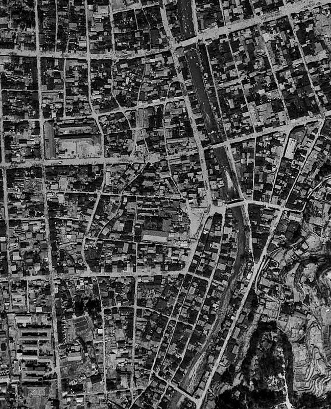 高山 空中写真1948年 くねくね道