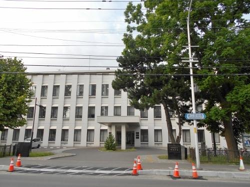 道警琴似庁舎 正面 2019年