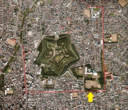 空中写真 五稜郭周辺 2011年 総構え?跡