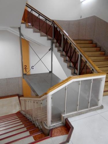 名鉄百貨店本館 階段